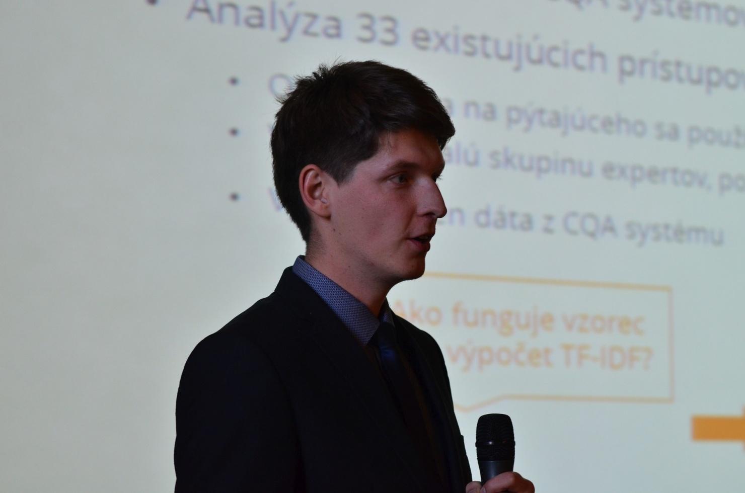 študent Fakulty informatiky a informačných technológií STU Jakub Mačina