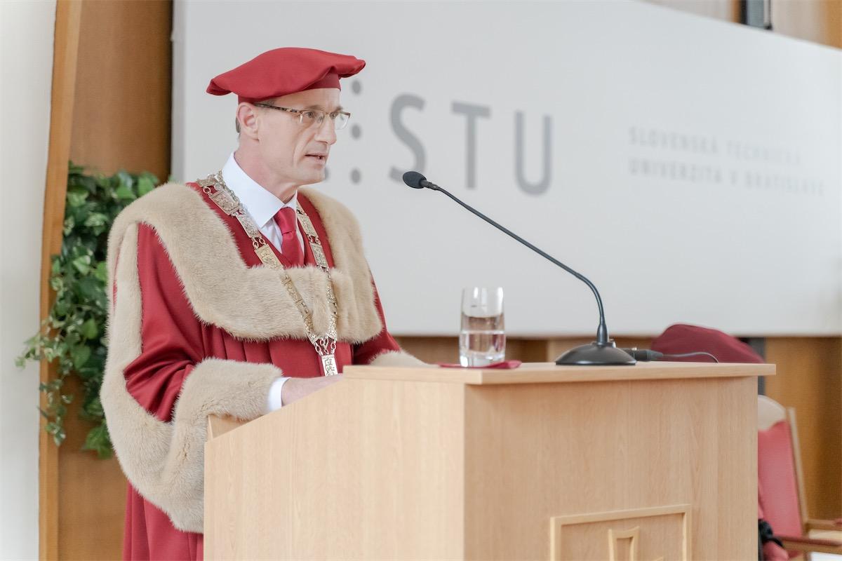 miroslav fikar rektor stu inauguracia