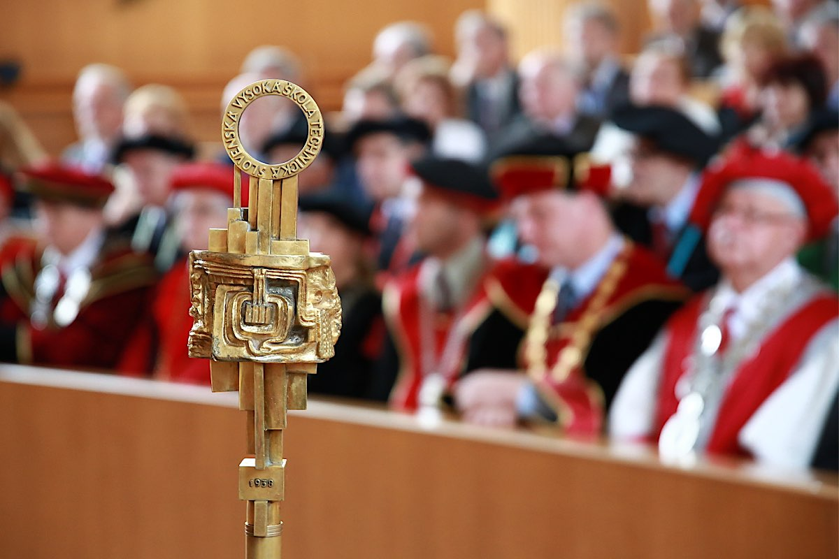 Vedecká rada STU odporúča ministerstvu stiahnuť návrh novely zákona o vysokých školách