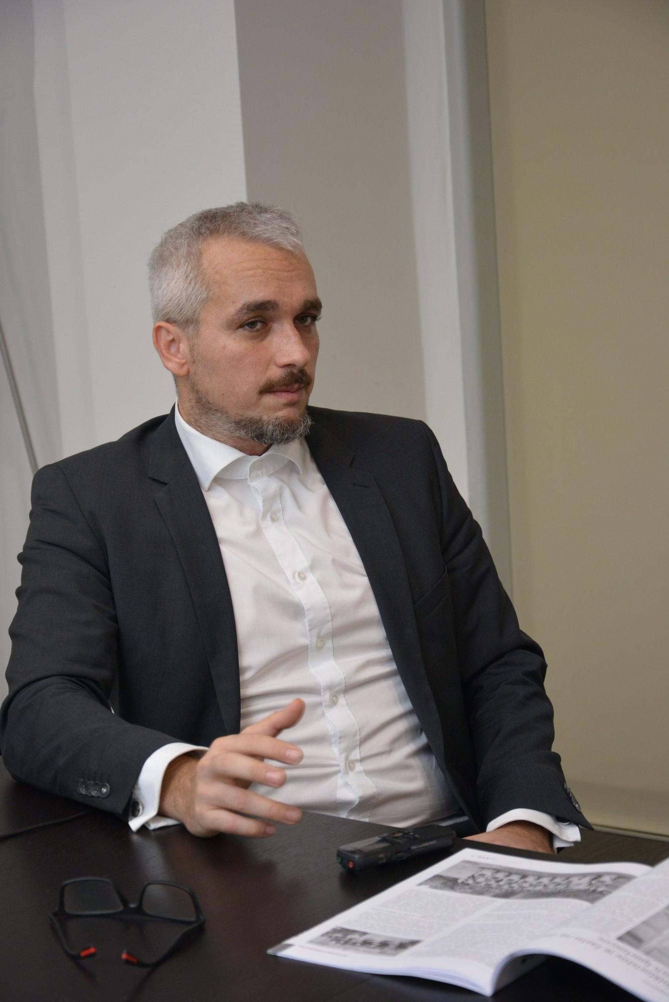 docent Max Strémy