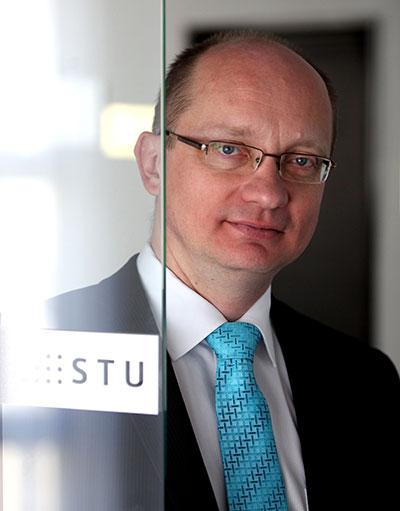 prof. Ing. Robert Redhammer, PhD.