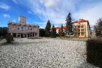 Zrekonštruovaný internát Mladá garda - hlavná budova